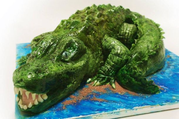 being-a-cake-sculptor-im-asked-to-make-everything-from-drunk-barbie-to-game-of-thrones-meets-4__880